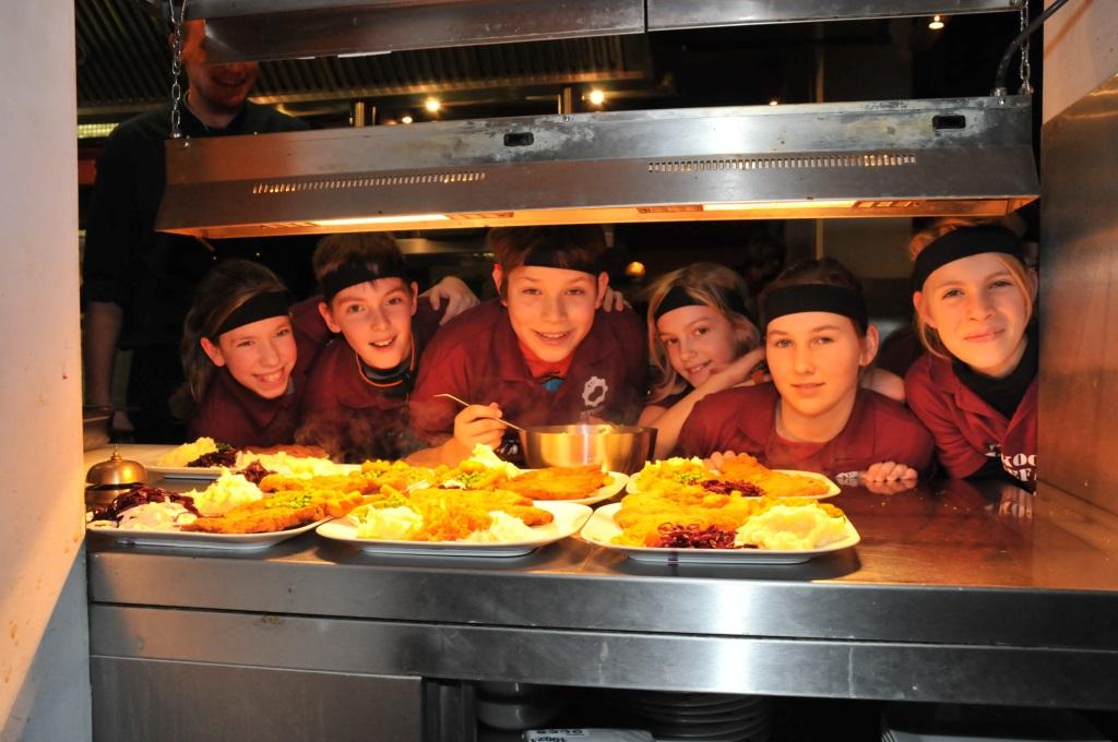 Schnitzel culture kids kochen was gef llt wir kochen und backen mit ihren kindern webshop - Kochen und backen mit kindern ...
